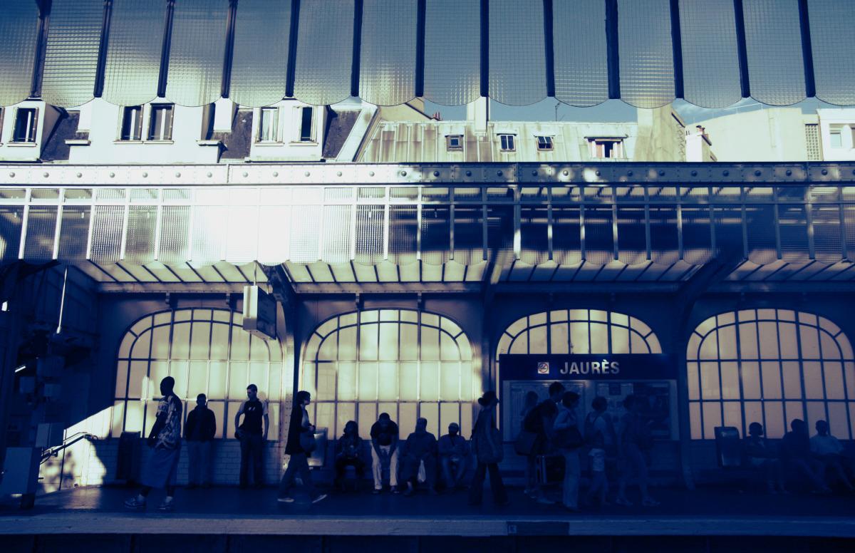 par_jaures metro.jpg