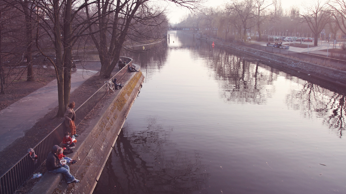 landwehrkanal im fruehling.jpg