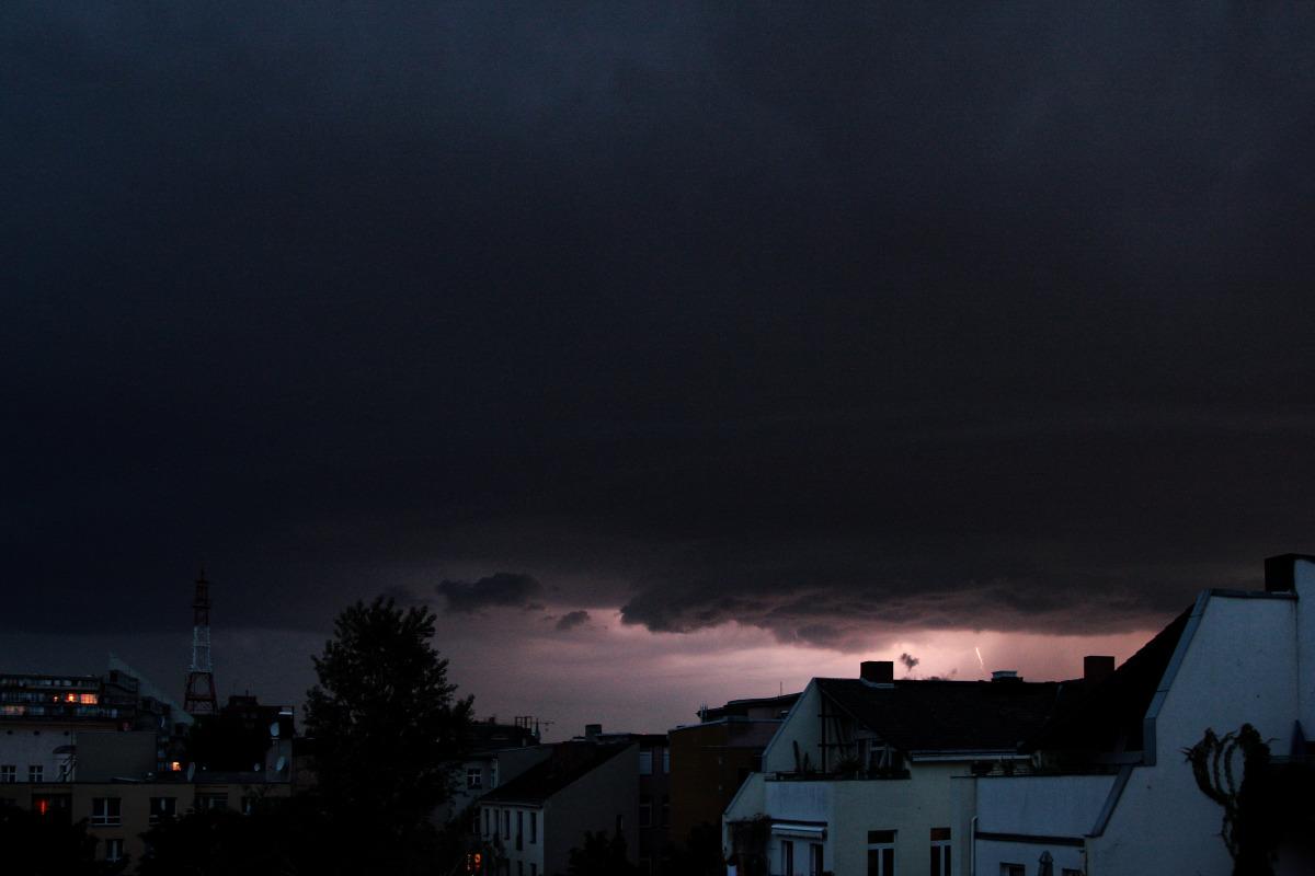 red lightning.jpg