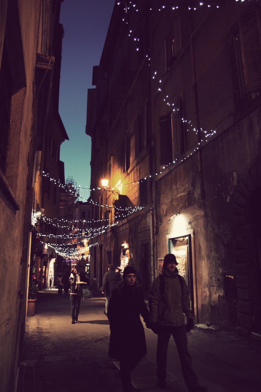 ROMA_Lights_01.jpg