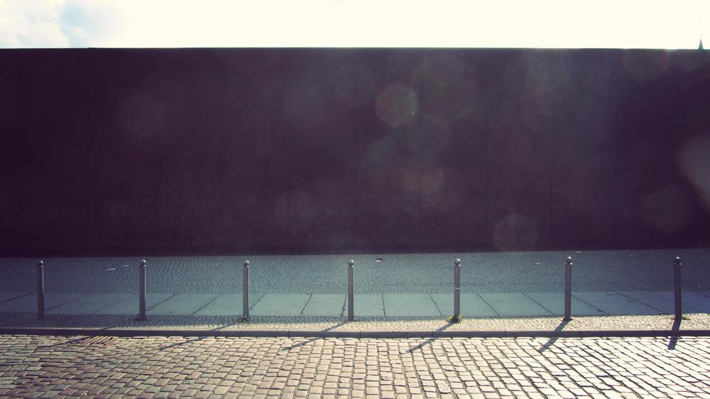 Wall Memorial_04.jpg