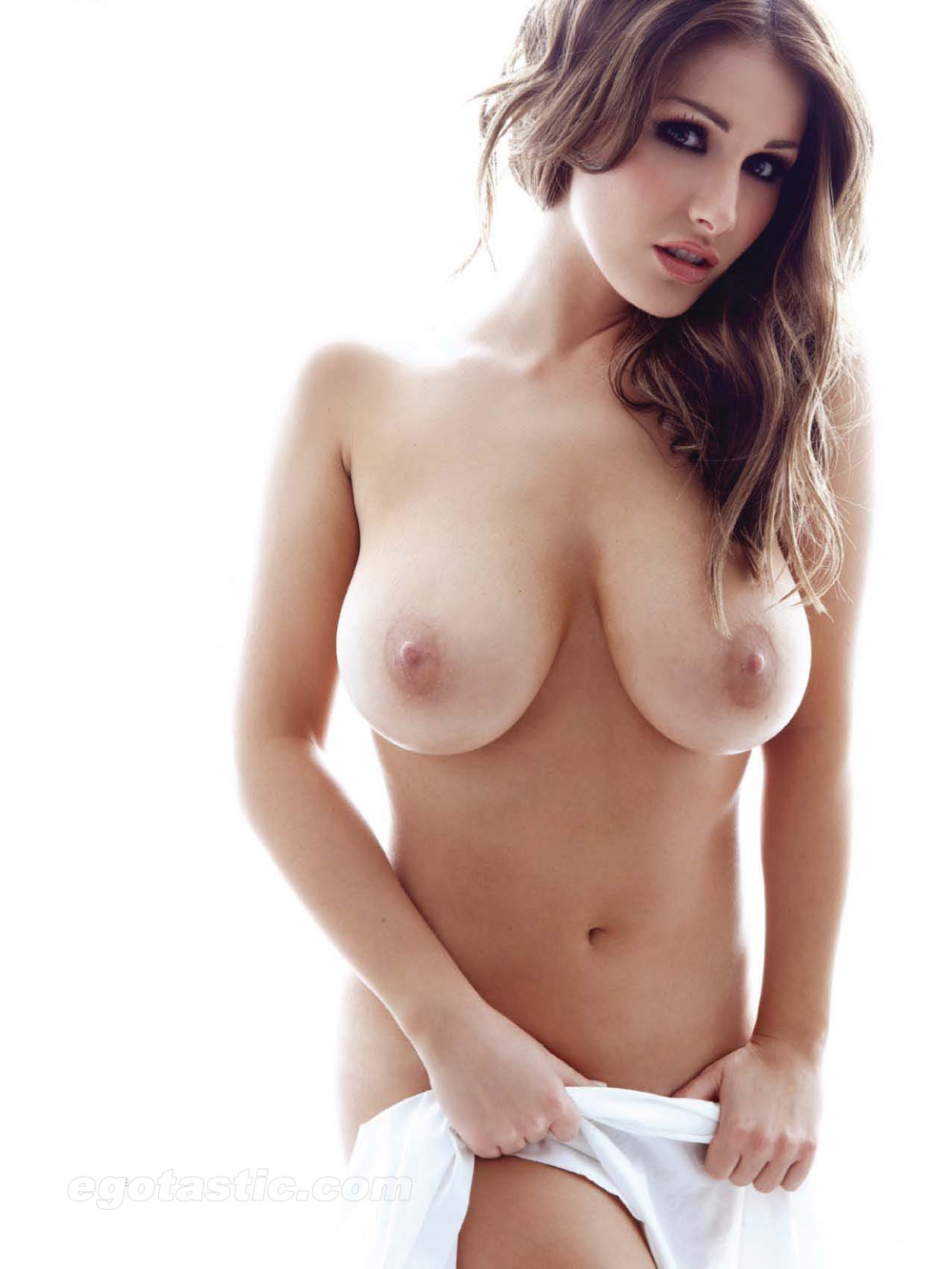 32 Sexy Pics Of Lucy Pinders Amazing, Natural 32F Breasts -1032