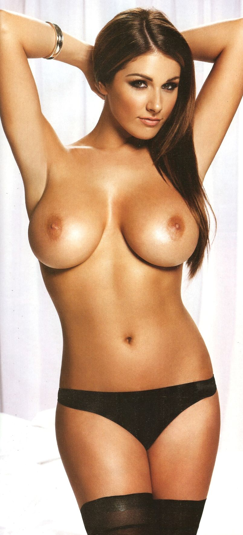 32 Sexy Pics Of Lucy Pinders Amazing, Natural 32F Breasts -1338