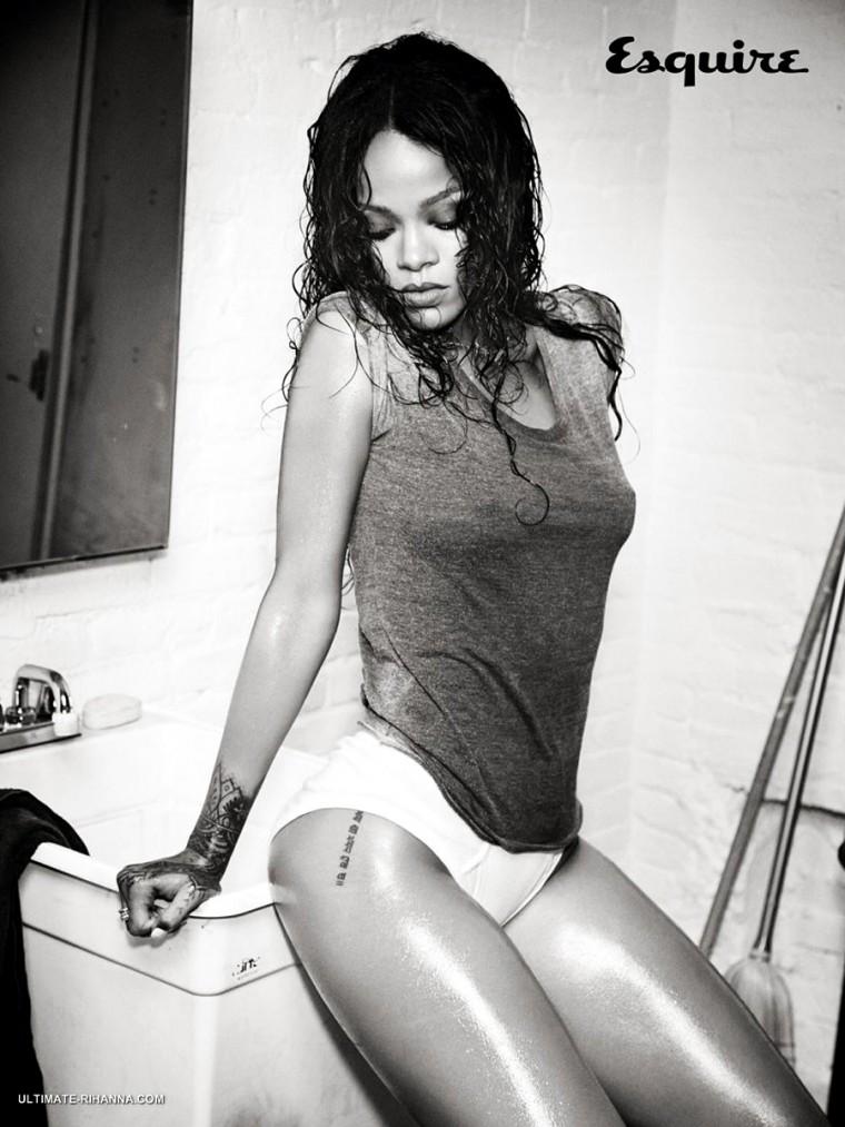 Rihanna_Esquire-14.jpg