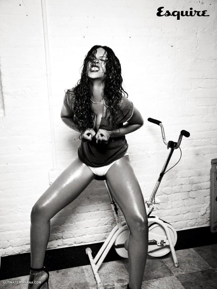 Rihanna_Esquire-15.jpg