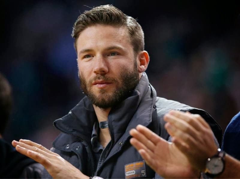julian edelman celtics game.jpg