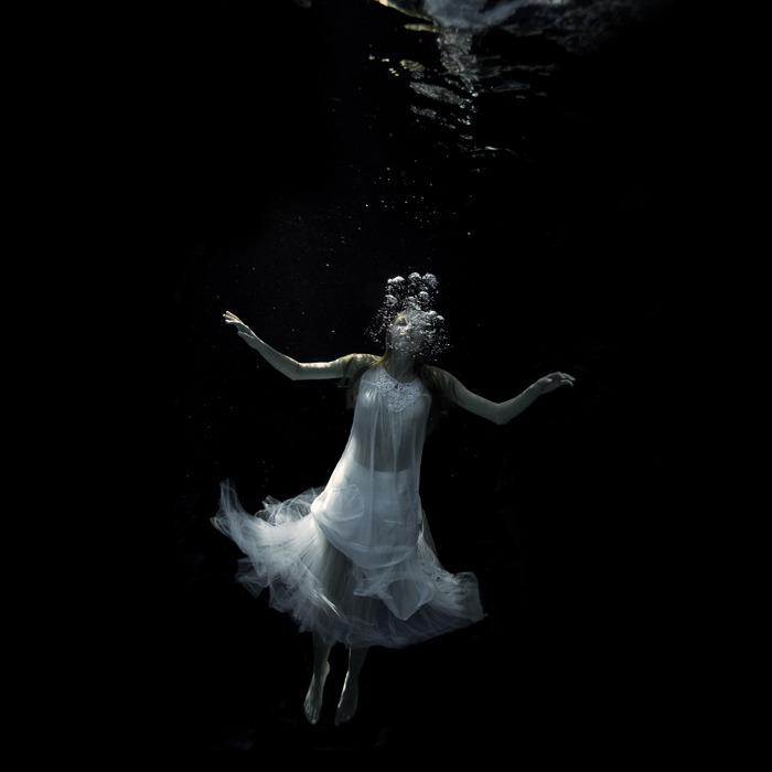 underwater_dark25.jpg