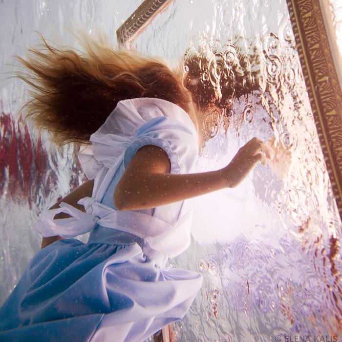 underwater_alice04.jpg
