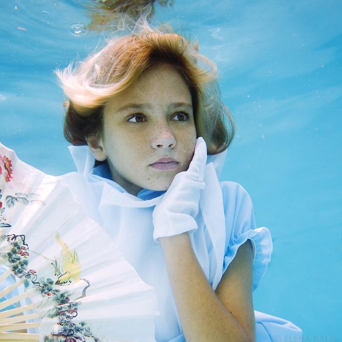 underwater_alice05.jpg