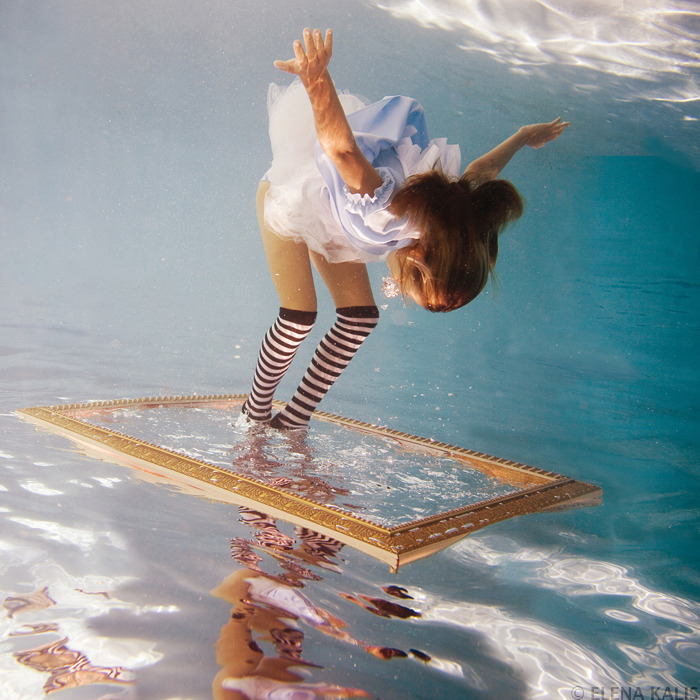 Alice in Waterland - Elena Kalis