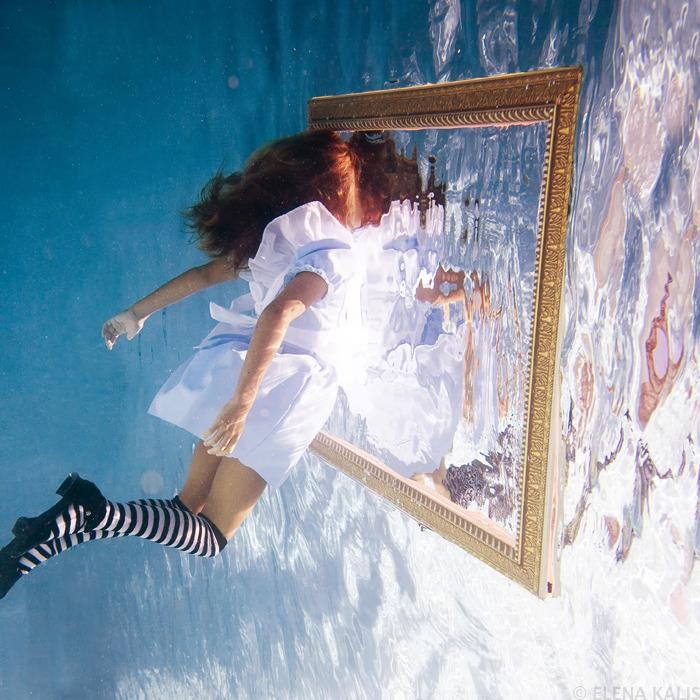 underwater_alice13.jpg