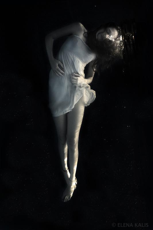 underwater_elena_kalis39.jpg