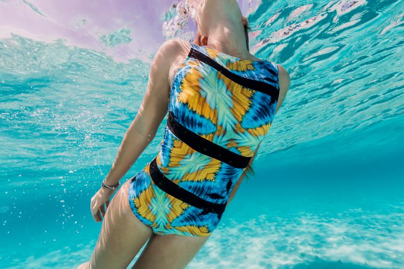 swimwear_underwater128.jpg