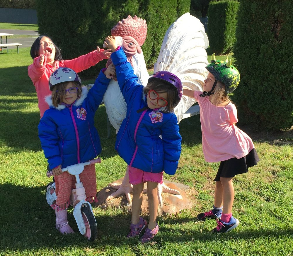 The girls enjoyed the large animal sculptures at the RV park in Walla Walla.