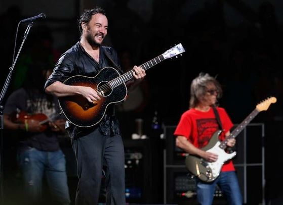 Dave Matthews Band played through the rain at the New Orleans Jazz