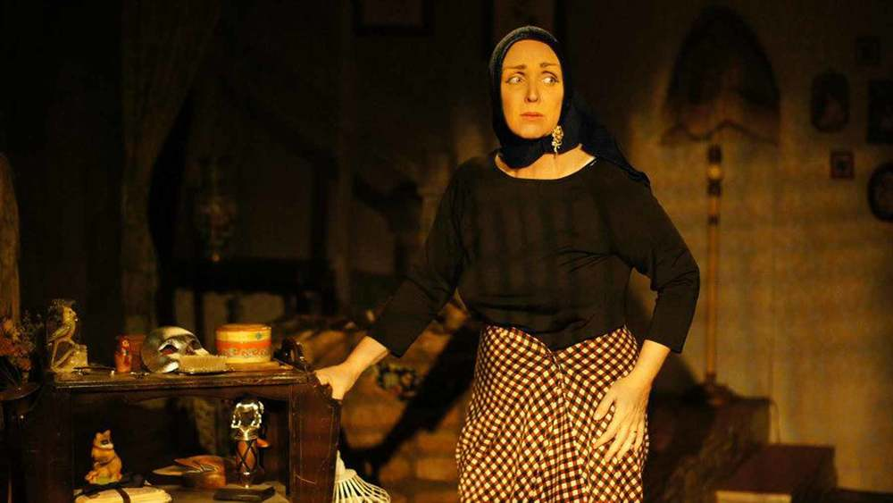 Company member Linda Libby earned the San Diego Critics Circle 'Actor of the Year' Award for her role in the San Diego premiere of   Grey Gardens  . This was the third straight year in a row an ion artist earned the accolade since its creation in 2011. Since then an ion member has continued to earn the accolade every year.