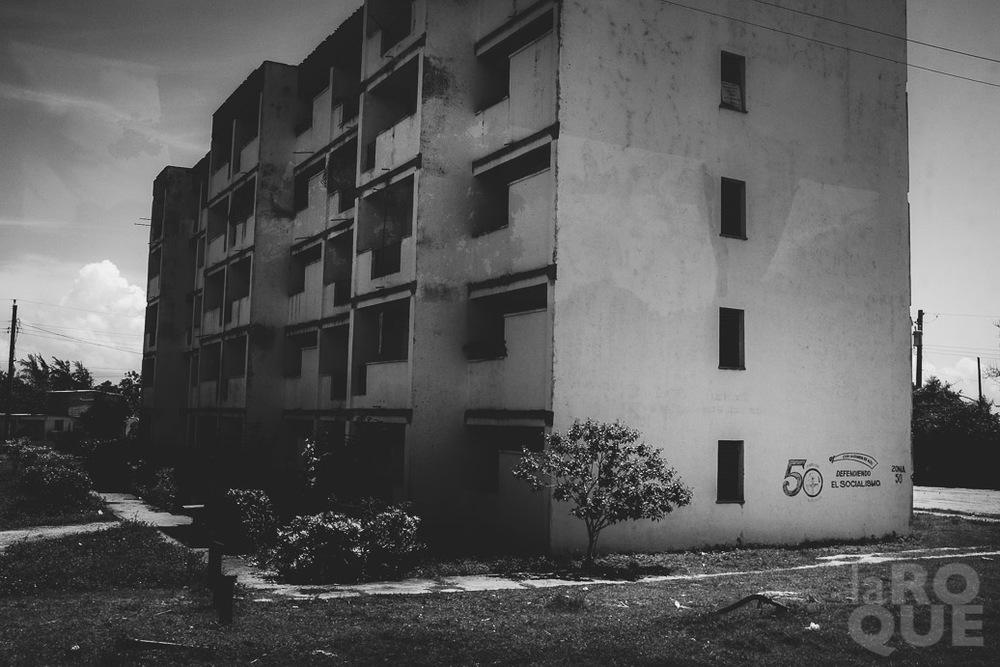 LAROQUE-bustocaibarien-11.jpg