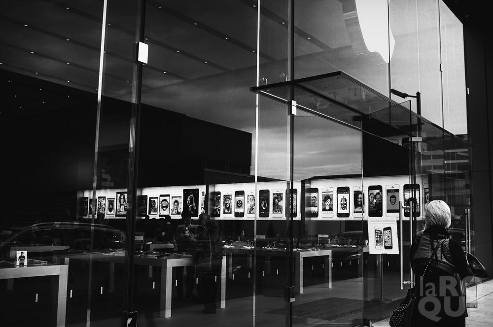 LAROQUE-five-frames-03.jpg