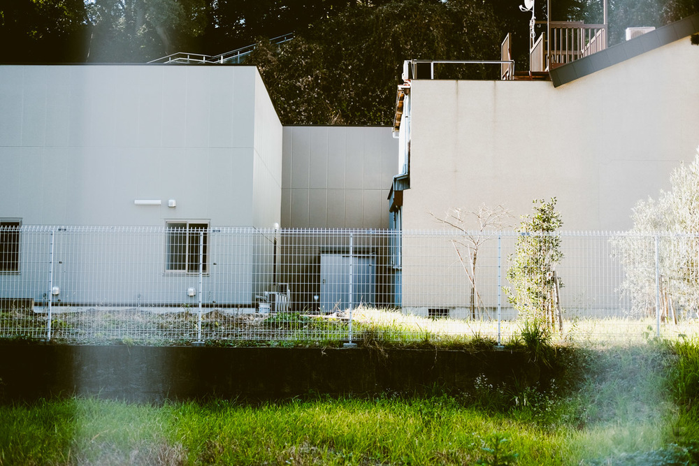 LAROQUE-tokyo-III-3-02.jpg