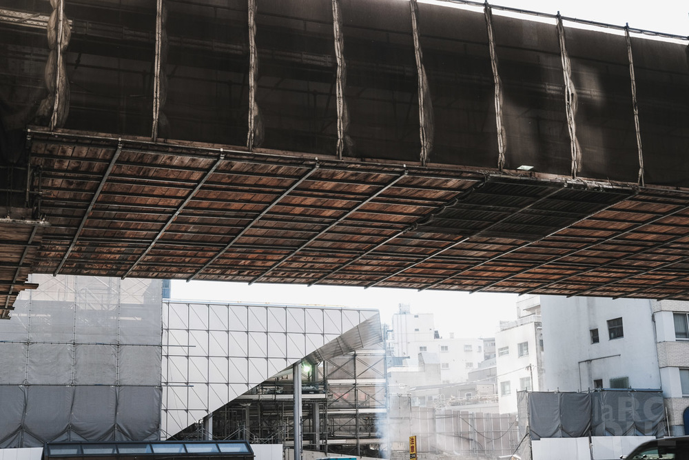 LAROQUE-tokyo-III-3-05.jpg