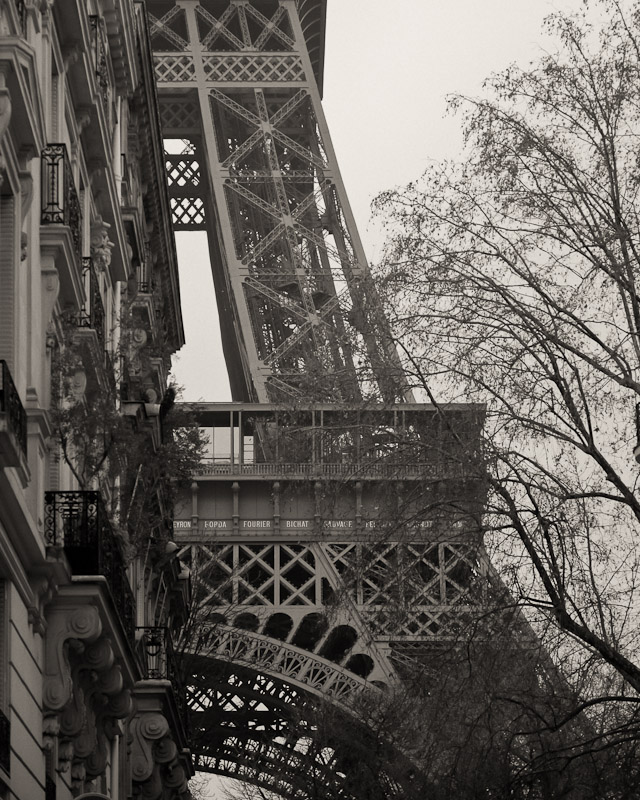 Parisian Sidestreet by Victor Harris.jpg