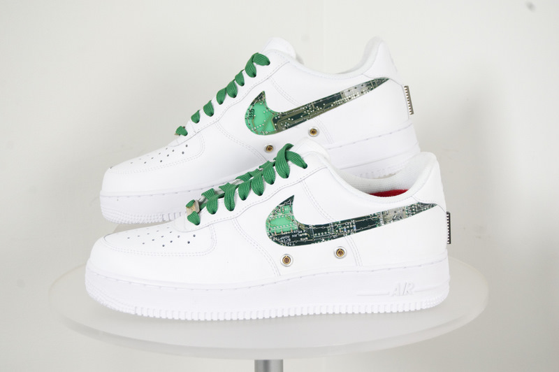Nike Air Force 1 Wired (Size 9.5)