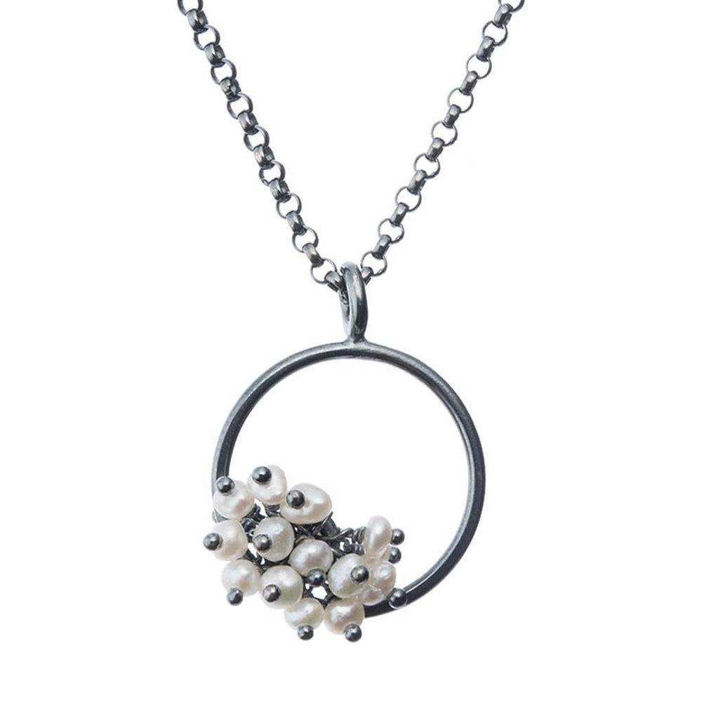 Adva small pearl pendant