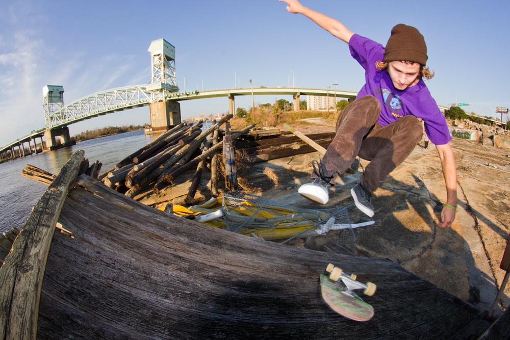 Trent Reed - Tre Flip Fakie