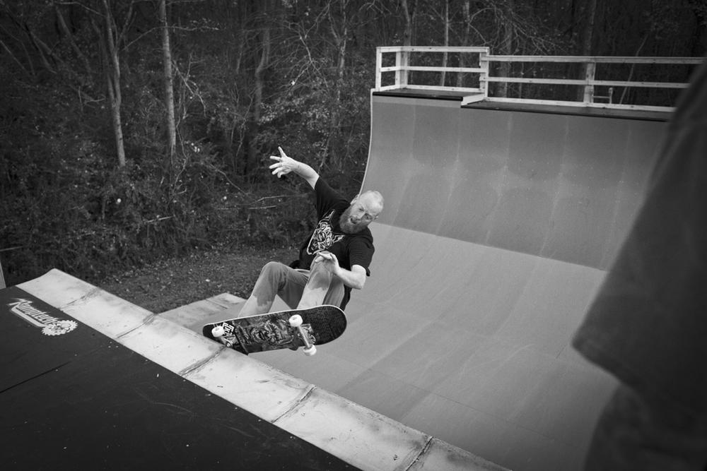 Chet Childress - Frontside grind