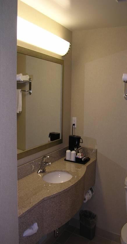 Picture2_Guestwashroom.jpg