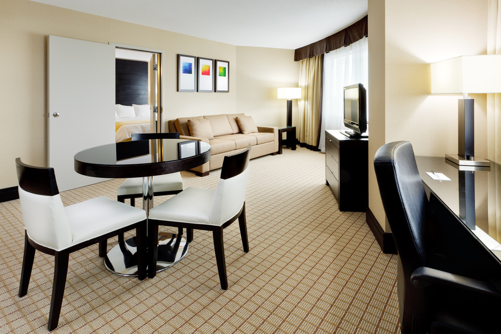 2012_12_03_Radisson_Vancouver-one_bedroom.jpg