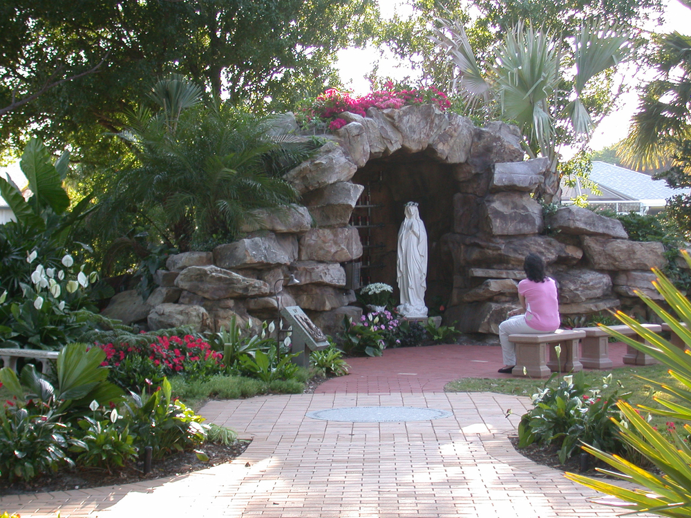 Meditation Garden at St. Peter Catholic Church Jupiter Entry to Grotto landscaping.jpg