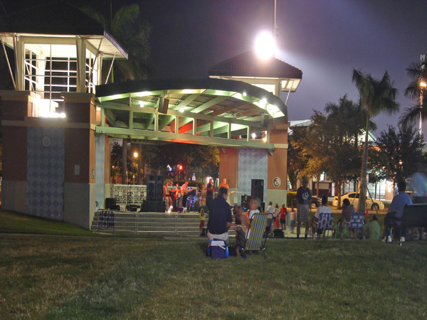 Abacoa Town Center Jupiter Florida Amphitheater at Night.jpg