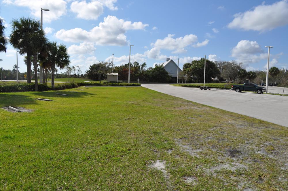 Burt Reynolds Park Palm Beach County Florida Grass Trailer Parking.JPG