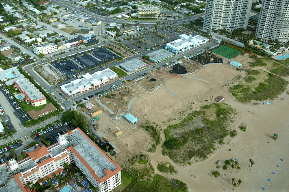City of Riviera Beach Municipal Beach Park Ocean Mall Tennis Courts Installed.JPG