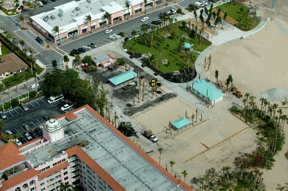City of Riviera Beach Municipal Beach Park Ocean Mall Volley Ball Courts and Restroom Building.JPG