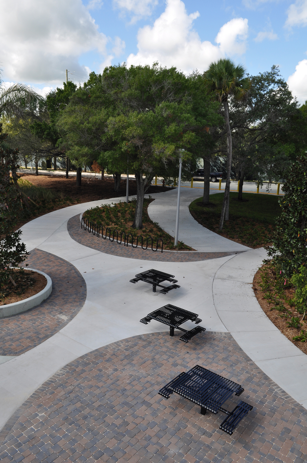 Harbor Branch Oceanographic Institute at FAU Research Laboratory II Curvilinear Courtyard.JPG