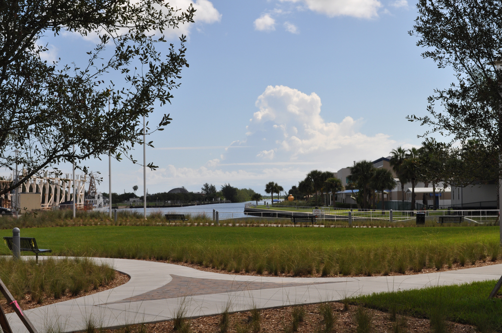 Harbor Branch Oceanographic Institute at FAU Research Laboratory II Open Lawn Native Grasses.JPG