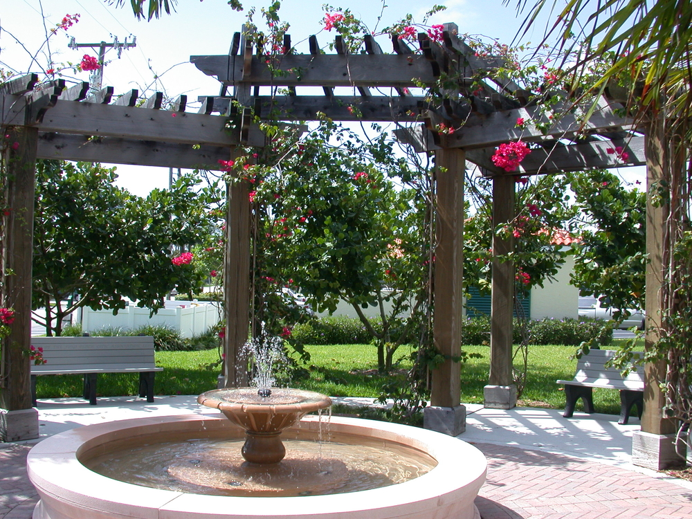 Pelican Lake Park Juno Beach Florida Fountain and Trellis.JPG