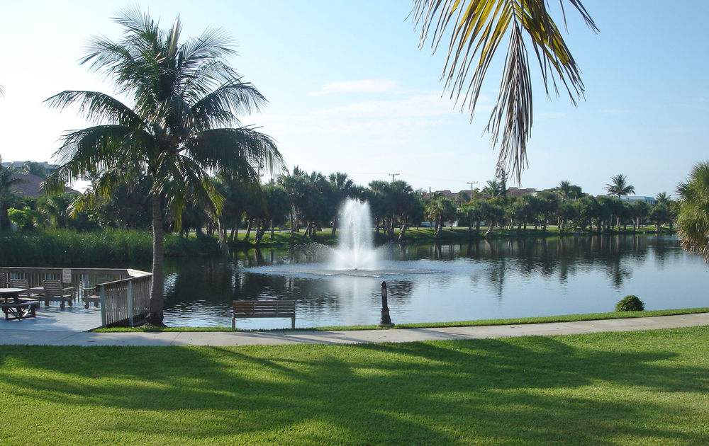 Pelican Lake Park Juno Beach Florida Seating Area.jpg