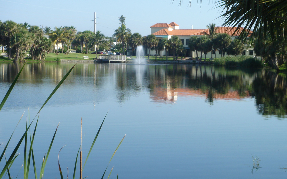 Pelican Lake Park Juno Beach Florida Town Hall.jpg