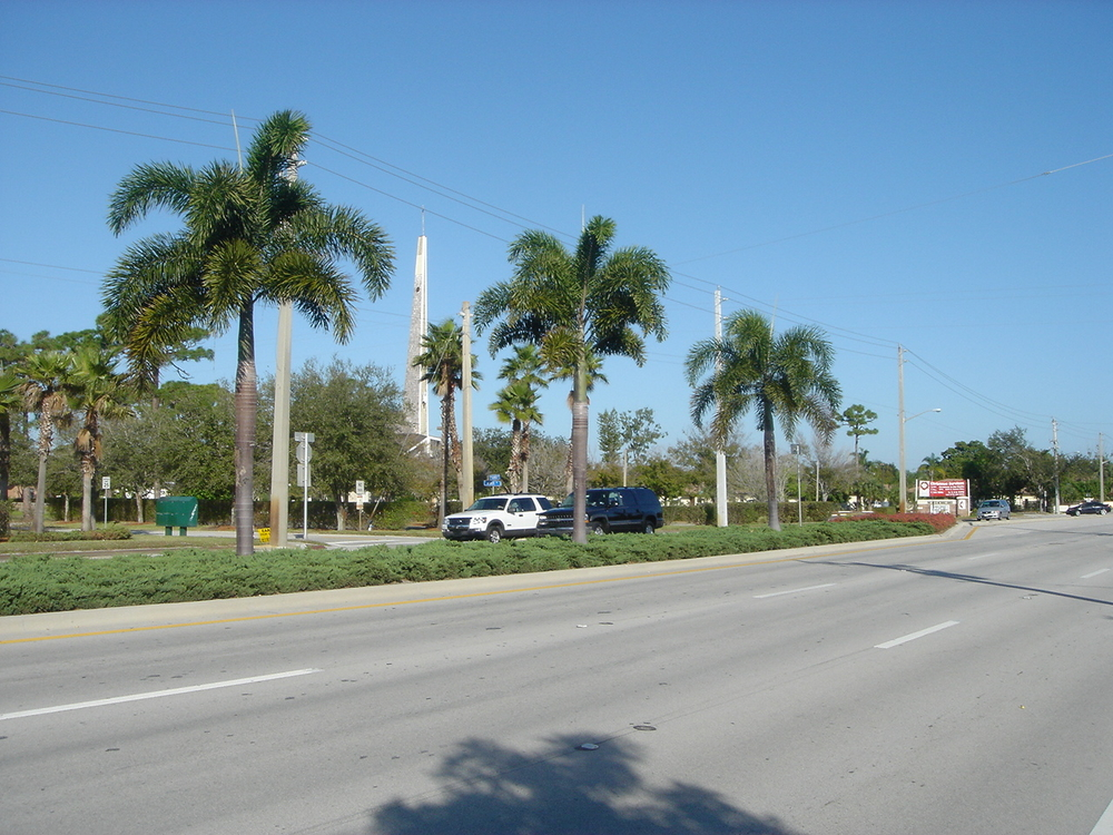 Kanner Highway Stuart Florida FDOT Median.JPG