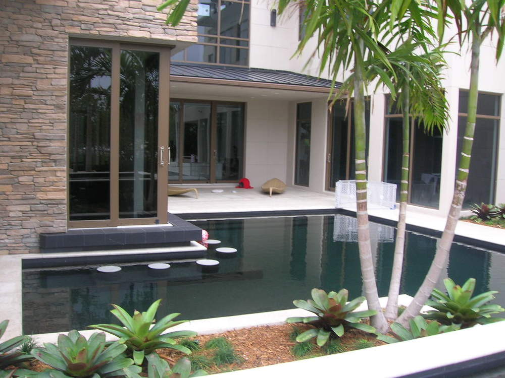 Palm Beach Gardens Intracoastal Residence Swim up Bar.JPG