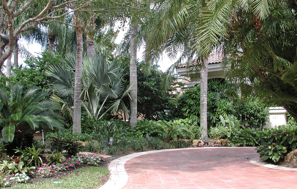 Admirals Cove Residence Lush Florida Landscape.jpg