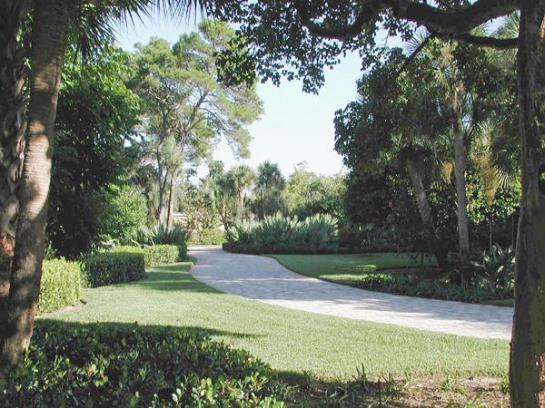 Loxahatchee River Residence Enrty Drive.jpg