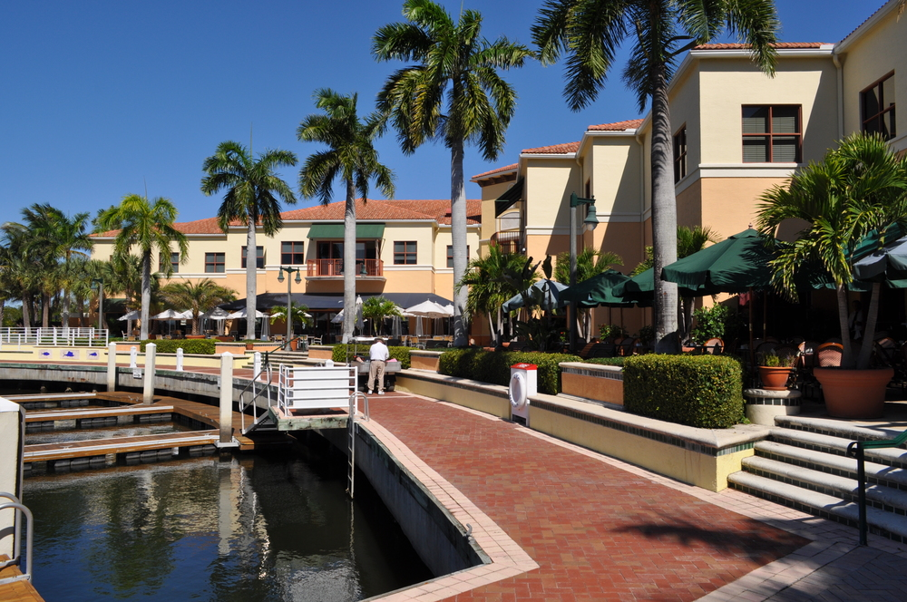Jupiter Yacht Club Florida Riverwalk Restaurant Outdoor Seating.JPG