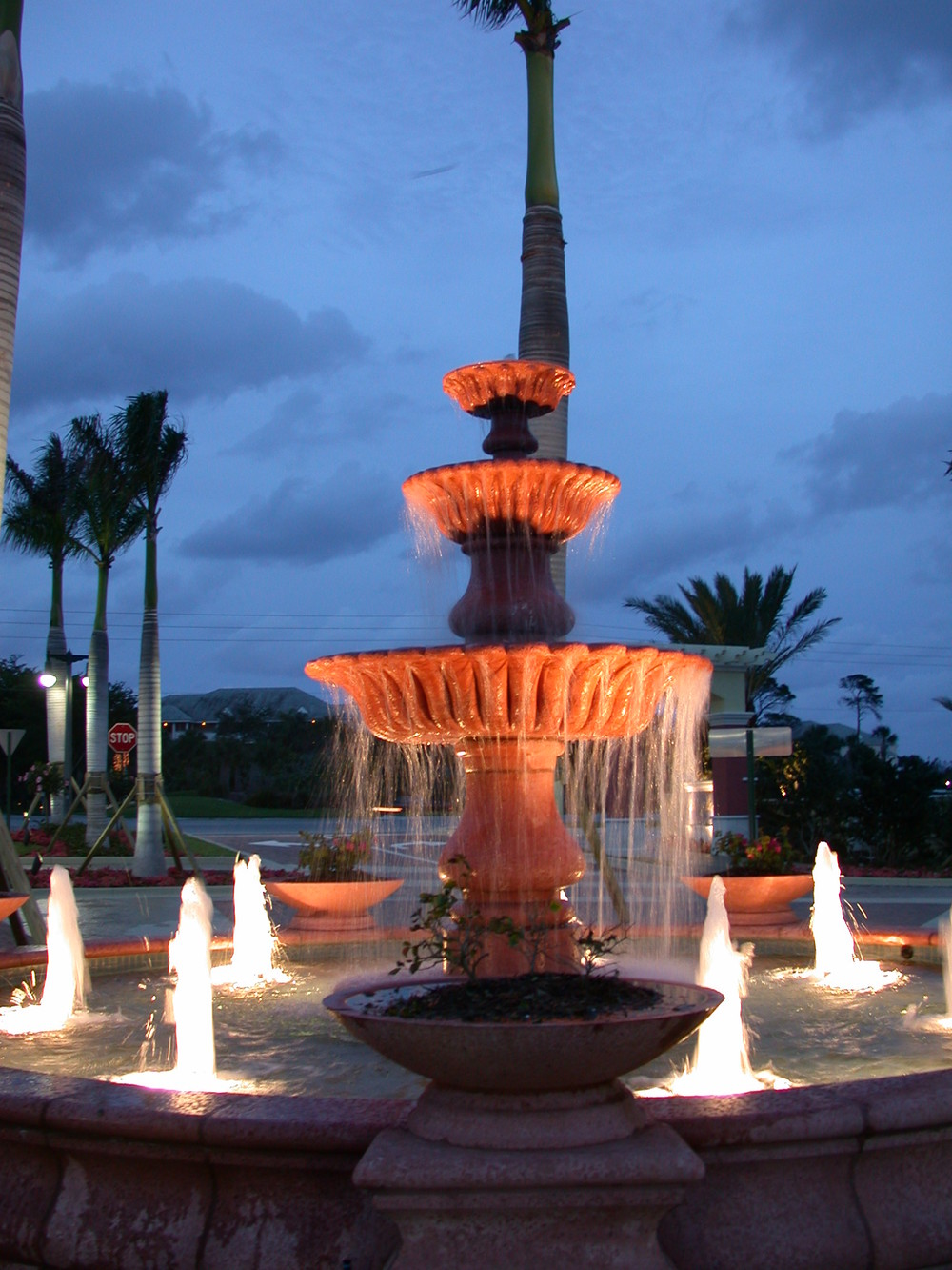 Jupiter Yacht Club Florida Lighted Fountain.JPG