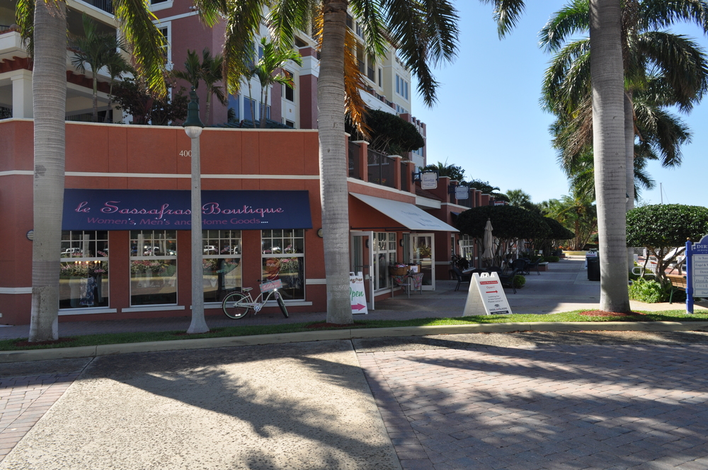 Jupiter Yacht Club Florida Retail Shops.JPG