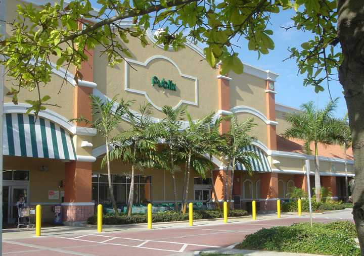 Publix Chasewood Plaza Jupiter Florida Landscape Entry.jpg