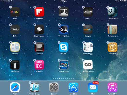 You can have 6 apps in the iPad dock